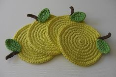 apple crochet coasters @Allison j.d.m Shapiro is this a good starter project?