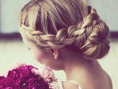 Idée-coiffure-jolie-le-chignon-tressé-original-belle-coiffure-mariage