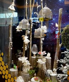 SIMONA SHOP - BEST CHRISTMAS WINDOWS DISPLAY BUCHAREST 2013 wrapped in yarn