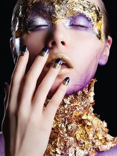 Encrusted Beauty Editorials - The PS Magazin 'Shining' Photoshoot is Fantastically Luxurious (GALLERY)