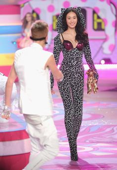 Highlights From the 2012 Victoria's Secret Fashion Show: Shu Pei Qin smiled at Justin Bieber on the runway at the Victoria's Secret Fashion Show.