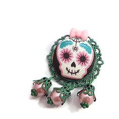 Girly Skull Brooch-Skull Cameo Pin-Gothic Lolita-Lapel Handmade Accessories, Handmade Jewelry, Cow Logo, Colorful Skulls, Kawaii Goth, Skull Art, Pastel Goth, Gothic Lolita, Lapel Pins