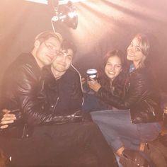 Matthew Daddario, Dominic Sherwood, Sarah Hyland and Esther Kim. Double date!!! <3 <3