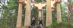 Découvrez la musique de la trilogie #LeSeigneurDesAnneaux joué à la harpe par des jumelles