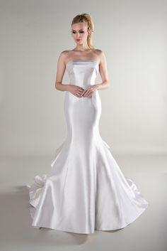 Yumi Katsura Wedding Dresses, Fall Wedding Dresses, Perfect Wedding Dress, Wedding Gowns, Cute Dresses, Formal Dresses, Bridal Suite, Satin Dresses, Dress Collection