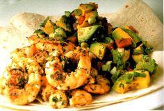 Crevettes en sauce à l'avocat à la mexicaine, p.182 - Recette tirée du livre LE GRAND LIVRE DES FRUITS DE MER ET DES POISSONS. #poisson #crevette #recette