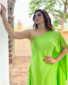 Bollywood Actress Hot Photos, Indian Bollywood Actress, Bollywood Girls, Beautiful Bollywood Actress, Bollywood Fashion, Indian Actresses, Actress Photos, Beautiful Girl Indian, Most Beautiful Indian Actress