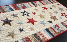 spangled runner Patchwork Quilt, Star Quilts, Mini Quilts, Small Quilt Projects, Quilting Projects, Quilting Designs, Quilting Ideas, Sewing Projects, Table Runner And Placemats