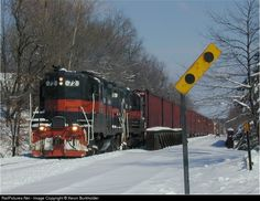 RailPictures.Net Photo: GRS 72 Guilford Rail System EMD GP9 at Waterville, Maine by Kevin Burkholder