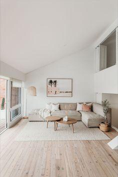 Living Room Interior, Home Living Room, Living Room Designs, Living Room Decor, Small Living Rooms, Home Design Plans, Home Interior Design, Scandinavian Interior Design, Scandinavian Living