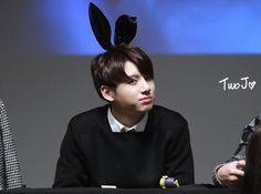 Jungkook-BTS luôn mỉm cười như một chú thỏ – Tin Tức Nhanh Kpop – Trang Kpop Uy Tín Nhất Việt Nam