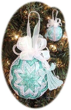 Quilted Christmas Ornament Pattern PDF Tutorial HC by ChristmasOrnament on Etsy Quilted Christmas Ornaments, Handmade Christmas, Christmas Bulbs, Christmas Decorations, Christmas Quilting, Christmas Ideas, Beach Christmas, Hanging Decorations, Christmas Sewing