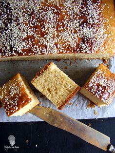 como se hace un bizcocho de nata y miel.
