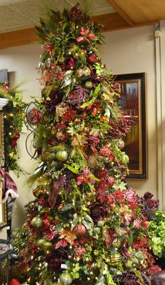 Burgundy & Green themed Christmas tree.