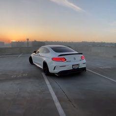 Mercedes Models, Mercedes Benz Cars, 4 Door Sports Cars, Sport Cars, Bild Girls, Rich Cars, Car Sounds, Fancy Cars, Jdm Cars