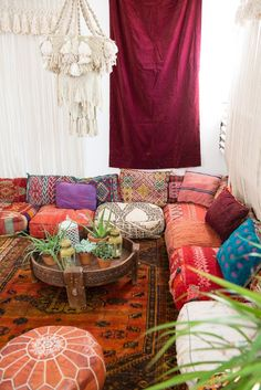 Esteemed earned meditation room design their explanation Moroccan Decor Living Room, Moroccan Room, Moroccan Home Decor, Living Room Decor, Moroccan Style, Moroccan Interiors, Moroccan Lanterns, Moroccan Lounge, Living Rooms