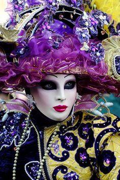 Carnevale di Venezia #masks #venetianmask #masquerade http://www.pinterest.com/TheHitman14/art-venetian-masks-%2B/