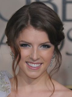 Anna Kendrick's Face-framing Tendrils Lend a Soft Twist to Her Romantic Coif
