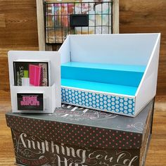 So many colors and designs to choose from! Don't forget to order brochure and business card holders to go with your #stackdisplays! SHOWN: White Display with Blue Insert and Blue Polka Dot Design. White Brochure holder with business card holder.