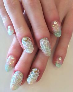 Add some inspiration from under the sea to your next manicure with mermaid nails. Take a peek at some of our favorite mermaid nail art designs. Love Nails, Pretty Nails, My Nails, Green Nail Art, Green Nails, Cute Nail Art, Beautiful Nail Art, Gorgeous Nails, Nail Art Vert