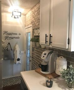 Happiness is homemade, brought to you by the first customer that asked me to create it. ❤️ Ok, time to spill the beans on that… Kitchen Dinning, Kitchen Redo, Rustic Kitchen, Kitchen Remodel, Kitchen Design, Cheap Kitchen, Dining, Shabby, Home Decor Inspiration