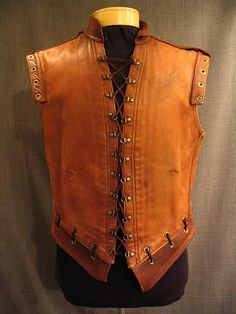 09024861 Doublet Men's Medieval, brown leather sleeveless, C40.JPG