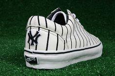 "Last week the Vans Era LX ""New York Mets"" released in numbers limited to 12 pairs. Now the Mets' crosstown rivals will get limited edition Vans sneaker. Yankees Baby, New York Yankees Baseball, Baseball Shoes, Baseball Mom, Baseball Field, Softball, Mlb, Vanz, Sneaker Release"