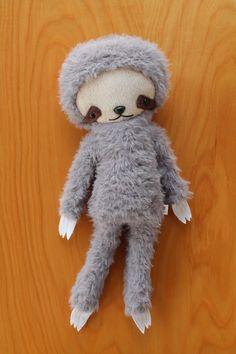 stuffed animals for a plush life Felt Dolls, Doll Toys, Pet Toys, Cute Plush, Creepy Dolls, Boy Doll, Happy Kids, Fabric Dolls, Diy For Kids
