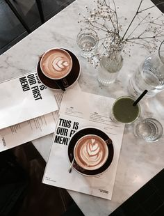 Goede koffie & taart in Amsterdam Oost & Centrum Coffee and cake in Amsterdam East and Center can be found here! Coffee Tasting, Iced Coffee, Coffee Drinks, Coffee Cake, Coffee Shop, Coffee Flask, Drinking Coffee, Coffee Tables, But First Coffee