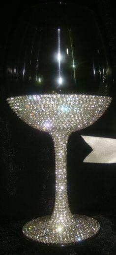 Glow Stick Jars, Glow Sticks, Glow Jars, Decorated Wine Glasses, Painted Wine Glasses, Glitter Glasses, Sparkles Glitter, Pink Glitter, Glitter Converse