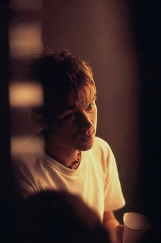 Damon Albarn photographed by Richard Faulks Jamie Hewlett, Damon Albarn Young, Blur Band, Band Photography, Blurred Lines, Skinny Guys, Britpop, Music Artwork, Star Shape