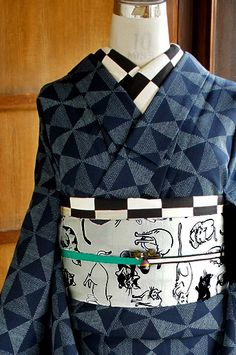 Geometric design of the triangle and the square of wool kimono-style single-Oshima - Modern ya sister kimono online shop ■ □ / □ ■ recycled antique kimono