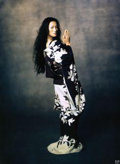 Gong Li(Memoirs of a Geisha) by #Annie Leibovitz