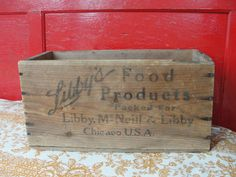 Antique Libby's cottage beef box, Chicago, Argentina, Boston by BarnshopAntiques on Etsy Wood Crates, Wooden Boxes, Barn Shop, Chicago Usa, Old Boxes, Antique Items, Etsy Vintage, Decorative Items, I Shop