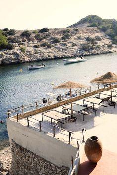 Los Enamorados: een hotel vol vintage finds in het noorden van Ibiza - Roomed..2..