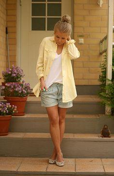 fashion - streetstyle - pale yellow, jean shorts