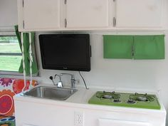 another nice small camper kitchen with small tv Teardrop Camper Trailer, Off Road Camper Trailer, Tiny Camper, Small Campers, Boler Trailer, Camper Trailers, Travel Trailers, Camping Vintage, Vintage Campers For Sale