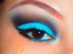 Black & Blue eyeshadow