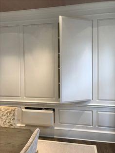 kitchen home decor Hidden Spaces, Hidden Rooms, Hidden Closet, Interior Design Images, Secret Rooms, Built In Cabinets, Classic Interior, Built Ins, Interior Inspiration