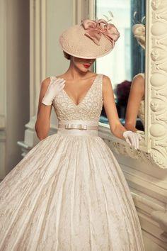 """大人花嫁へのススメ。ドレスに気品をプラスする""""ウェディングハット""""という選択   by.S"""