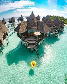 Relaxation in Maldives Courtesy of Travel Me Chic https://www.hotelscombined.fr/Place/Reunion.htm?a_aid=150886