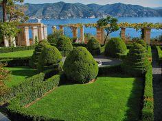 Abbazia di San Girolamo della Cervara, garden once part of monastery European Garden, Italian Garden, Formal Gardens, Outdoor Gardens, Landscape Architecture, Landscape Design, Famous Gardens, Modern Garden Design, Mediterranean Garden
