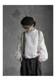 The romance of trousers with braces Mori Fashion, Grey Fashion, Asian Fashion, Womens Fashion, Fashion Design, Japanese Lifestyle, Mori Girl, Linen Dresses, Mode Inspiration
