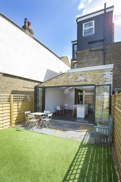 Single-storey extension on Victorian terraced property in ...