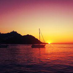 Sunset #San Sebastian www.sistersandthecity.com Boats, Sunrise, San, Spaces, Celestial, City, Outdoor, Outdoors, Ships