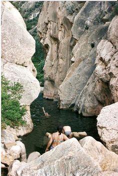LA FONTCALDA, Gandesa. El secret més ben amagat de la Terra Alta TIPUS ACTIVITAT: excursions/ excursiones gorgues