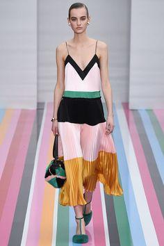 Salvatore Ferragamo Fall 2016 Ready-to-Wear Collection Photos - Vogue