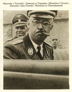 Isn't that Obama in the back seat? Julius Streicher, Luftwaffe, Army History, German Boys, War Photography, The Third Reich, Historical Images, Vietnam War, World War Ii