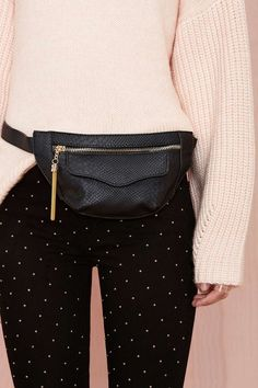 The fashionable fanny pack trend... A yay or nay?