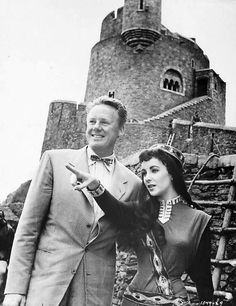 Van Johnson visits Elizabeth Taylor on the set of Ivanhoe